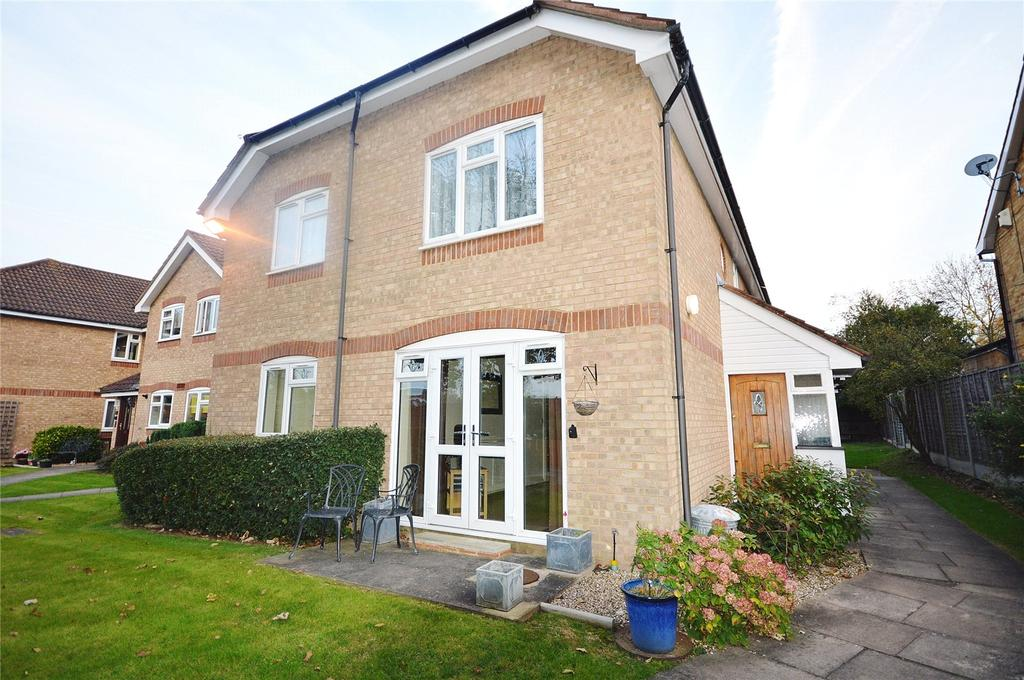 2 Bedrooms Apartment Flat for sale in Highfield, 1 Comet Close, Watford, Hertfordshire, WD25