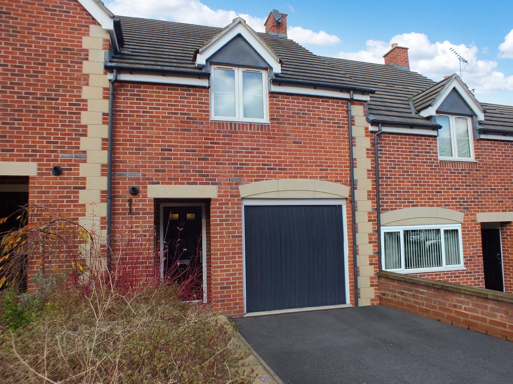 4 Bedrooms Terraced House for sale in Stroud
