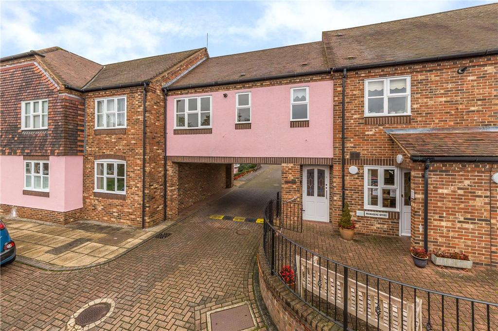 1 Bedroom Retirement Property for sale in Arcadian Court, Sun Lane, Harpenden, Hertfordshire