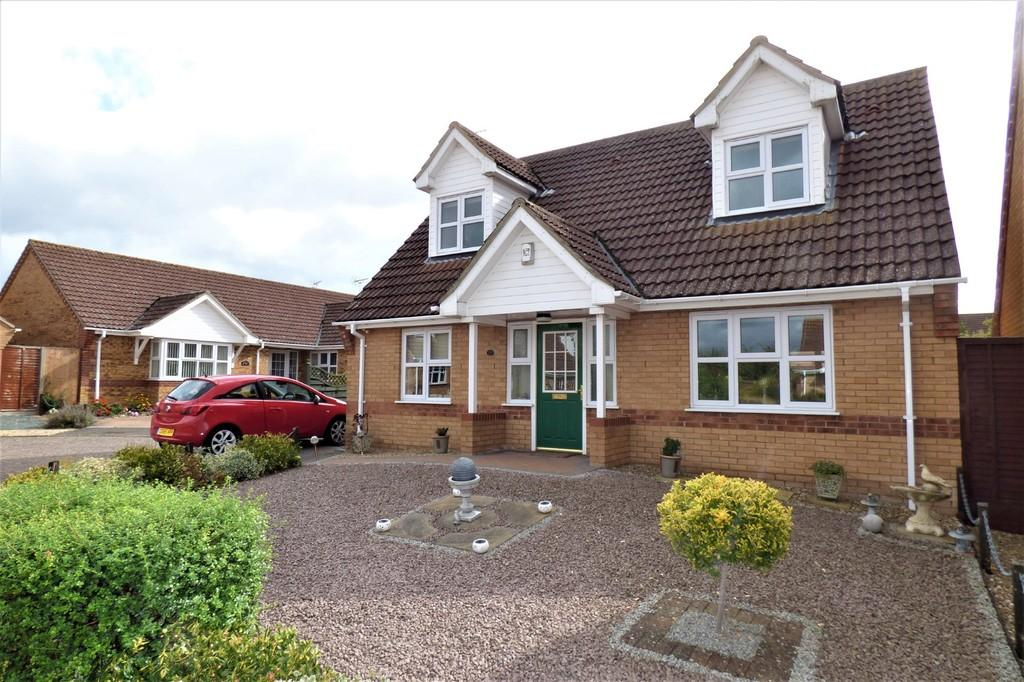 3 Bedrooms Chalet House for sale in Burrow Drive, Lakenheath