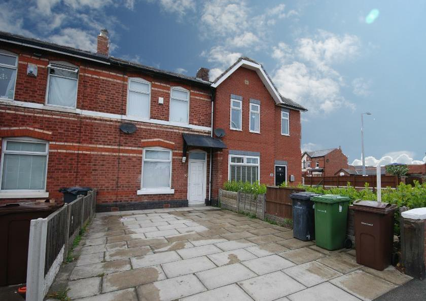 3 Bedrooms Semi Detached House for sale in Eastbourne Road, Southport, PR8 4DT