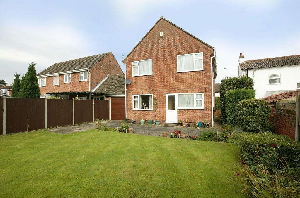 4 Bedrooms Link Detached House for sale in Norwich Road, Dereham