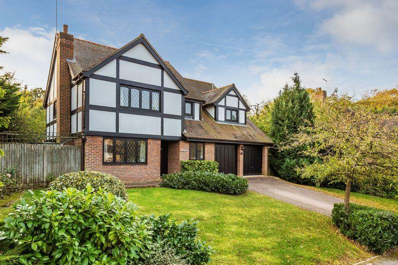 5 Bedrooms Detached House for sale in Westward Ho, Guildford
