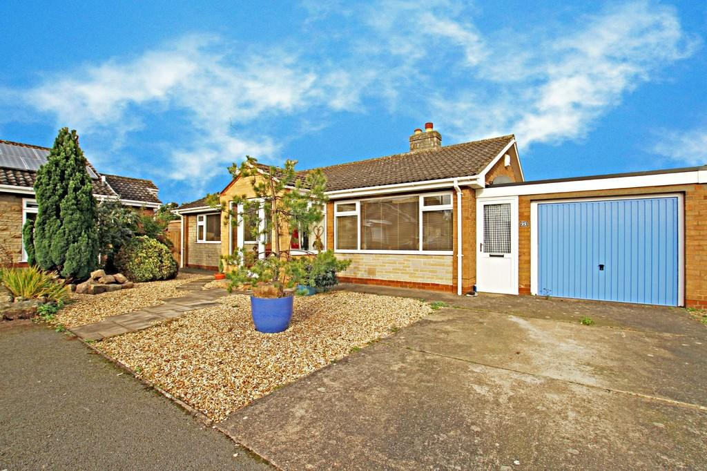 3 Bedrooms Detached Bungalow for sale in Lancaster Crescent, Tickhill