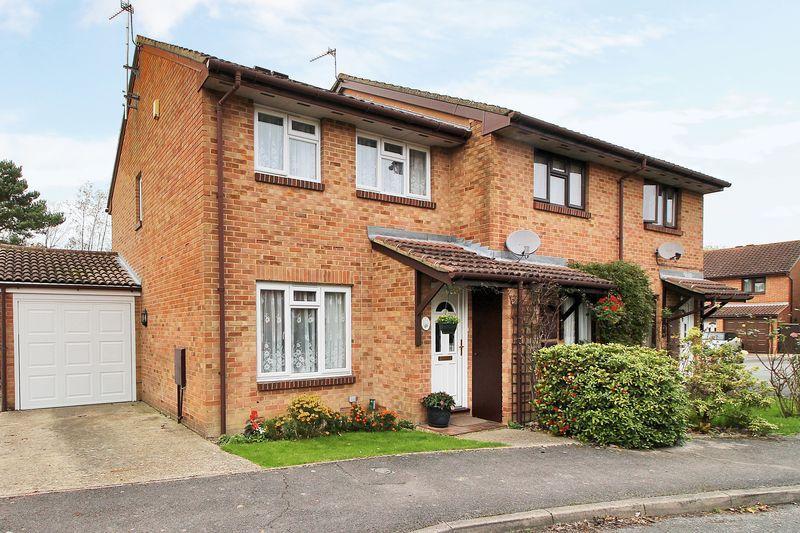 3 Bedrooms End Of Terrace House for sale in Charrington Way, Broadbridge Heath