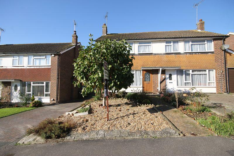 3 Bedrooms Semi Detached House for sale in Erin Way, Burgess Hill, West Sussex