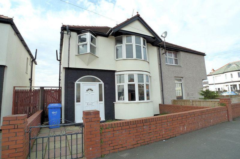 3 Bedrooms Semi Detached House for sale in Barry Road South, Rhyl