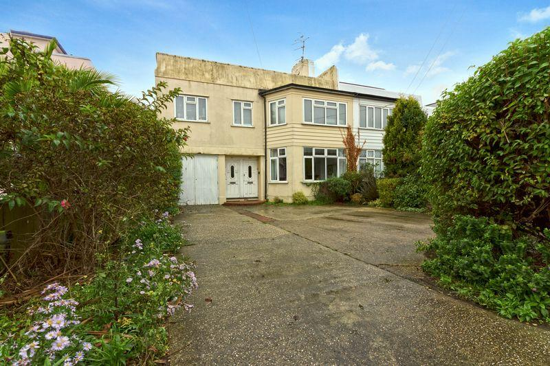 1 Bedroom Apartment Flat for sale in Shaftesbury Avenue, Goring