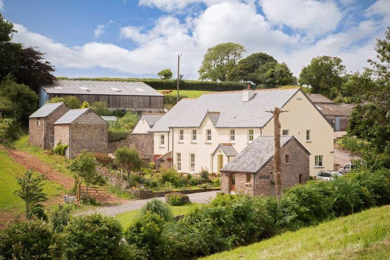 5 Bedrooms Detached House for sale in Slapton, Kingsbridge