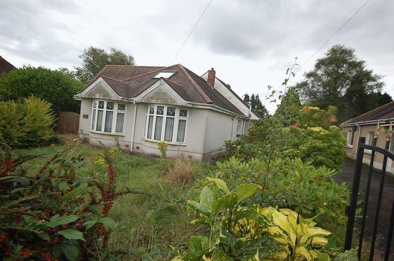4 Bedrooms Detached Bungalow for sale in Maes Y Gwernen Road, Swansea
