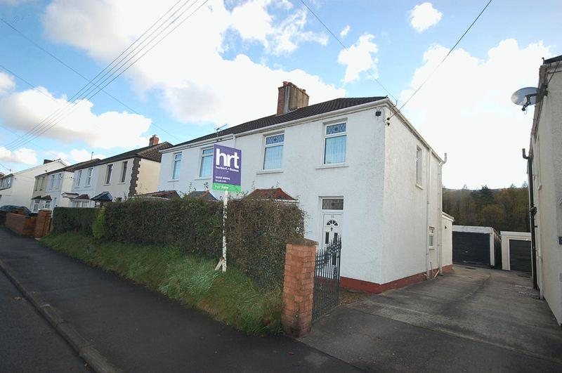 3 Bedrooms Semi Detached House for sale in Park Avenue, Neath