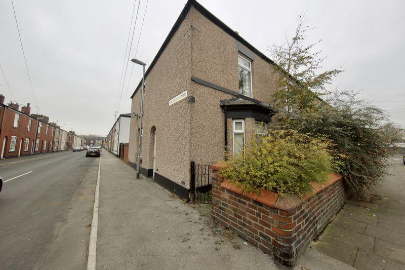 3 Bedrooms End Of Terrace House for sale in Marlborough Street, Hopwood, Heywood
