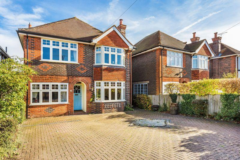5 Bedrooms Detached House for sale in Onslow Village