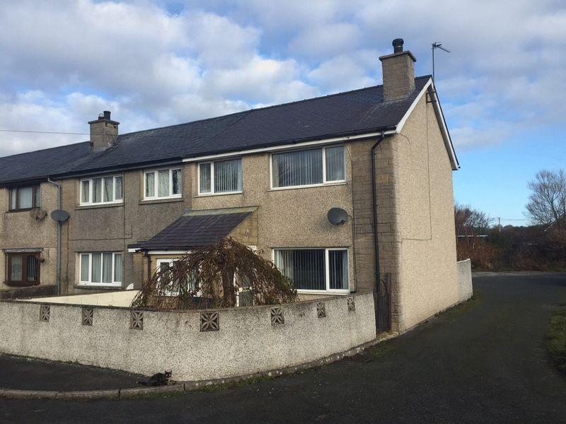 3 Bedrooms Terraced House for sale in Dwyran, Anglesey