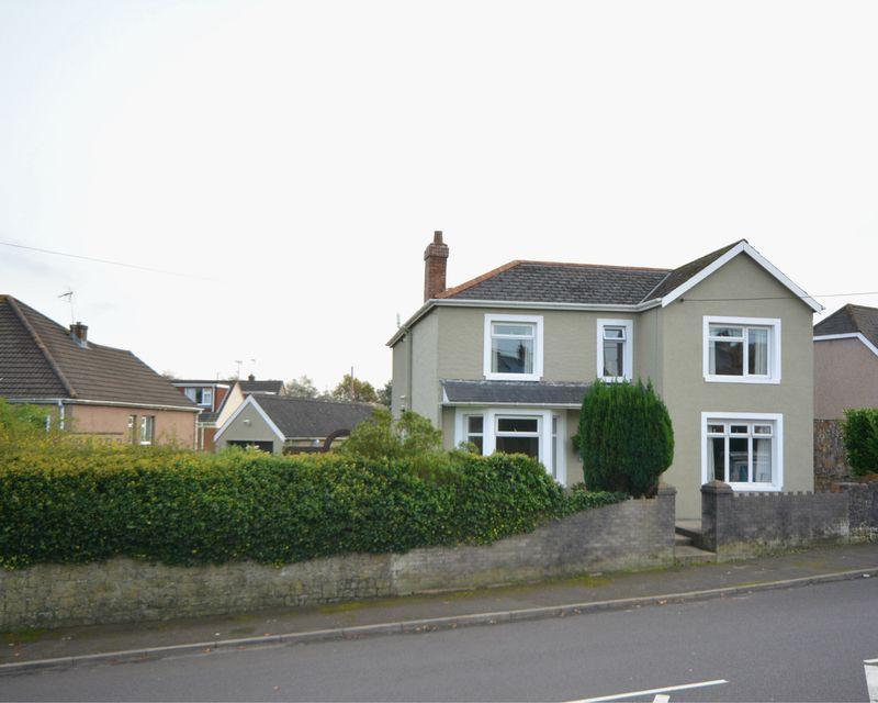 4 Bedrooms Detached House for sale in Llwyn Onn, Main Road, Coychurch,