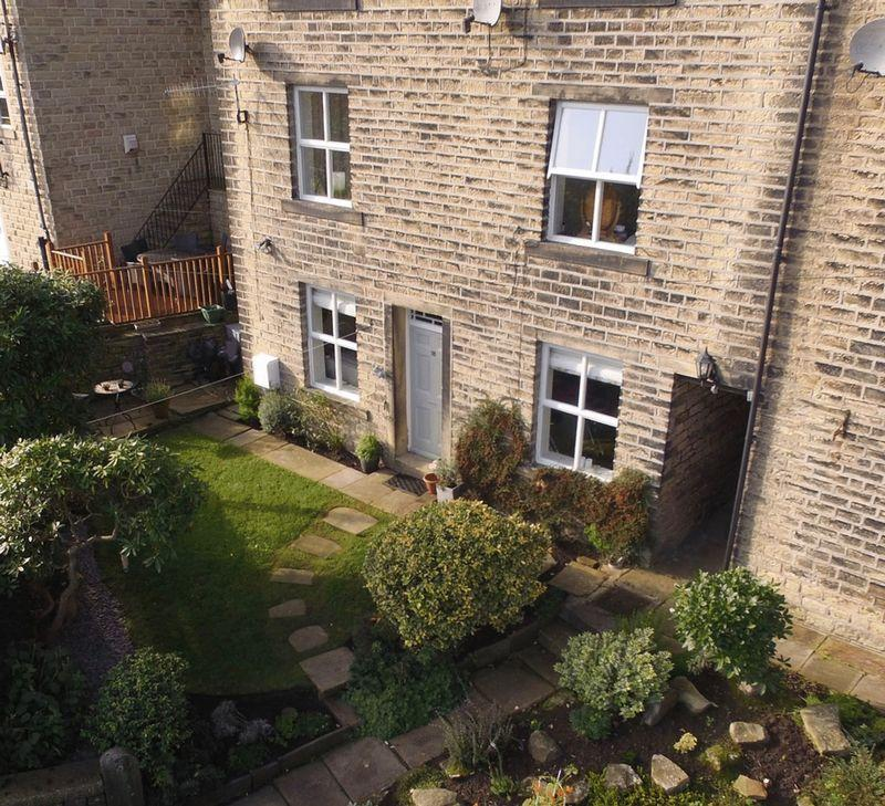 2 Bedrooms Cottage House for sale in 18 Maude Lane, Ripponden. HX6 4BE