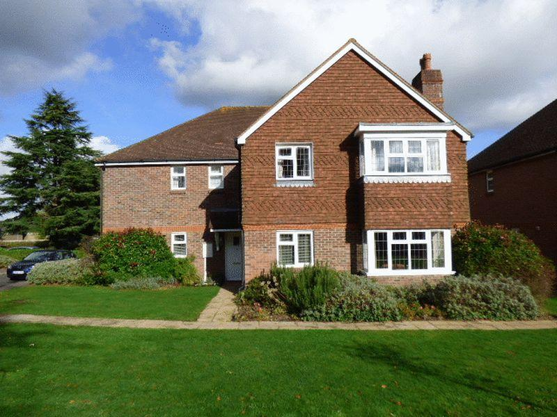 2 Bedrooms Maisonette Flat for sale in Bookham