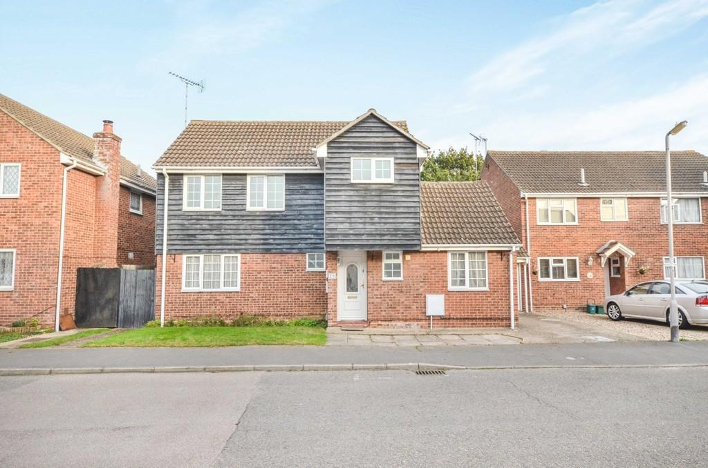4 Bedrooms Detached House for sale in Roach Vale, Colchester, CO4 3YN