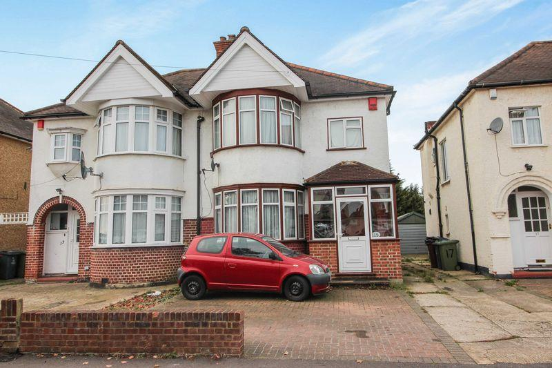 3 Bedrooms Semi Detached House for sale in Alveston Avenue, Harrow