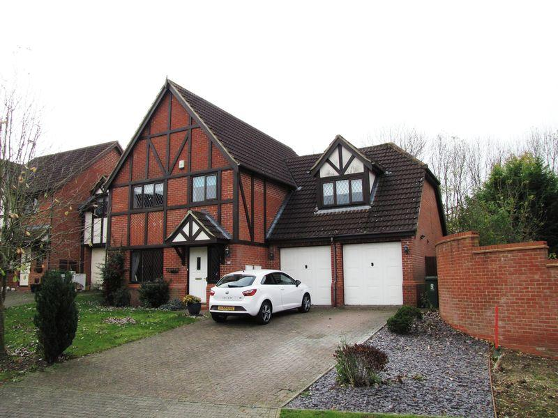 5 Bedrooms Detached House for sale in Berkshire Green, Milton Keynes