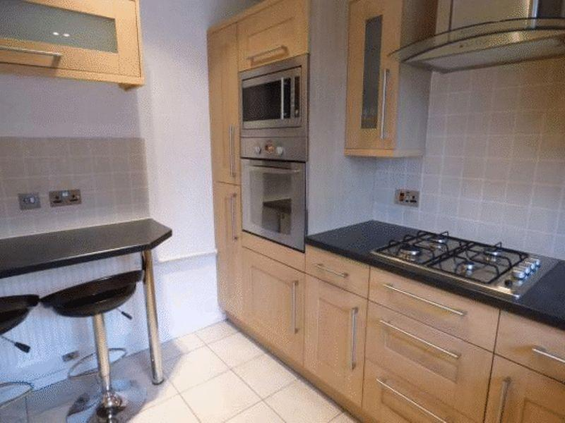2 Bedrooms Flat for sale in Edith Cliff Walk, Manchester