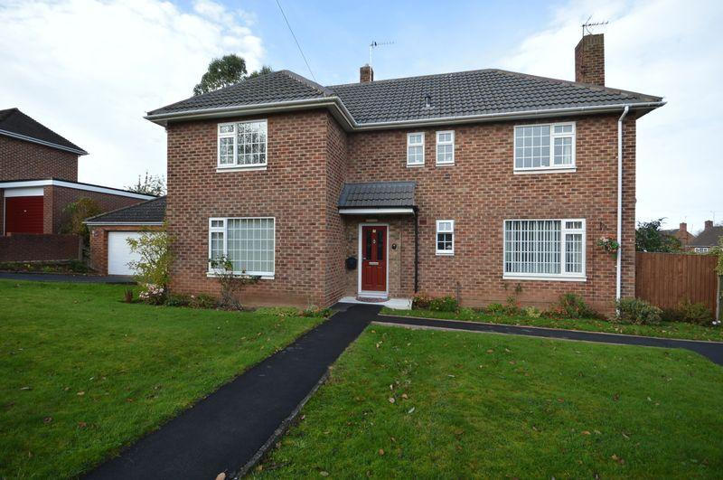 4 Bedrooms Detached House for sale in Douglas Road, West Kirby