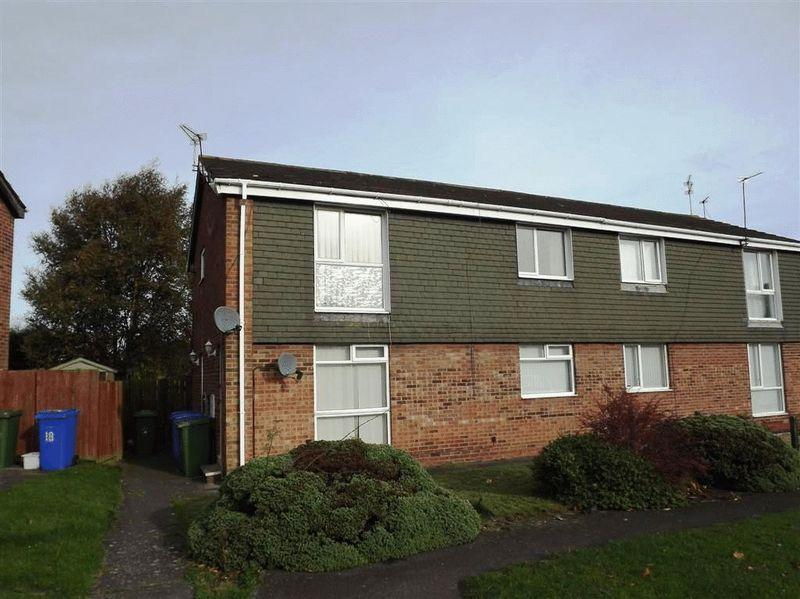 2 Bedrooms Flat for sale in Otley Close, Cramlington