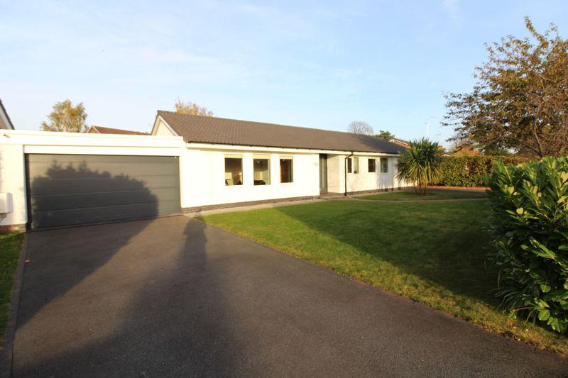 4 Bedrooms Detached Bungalow for sale in St James Avenue, Upton