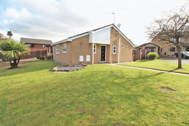 2 Bedrooms Semi Detached Bungalow for sale in Shaftesbury Avenue, Wrexham