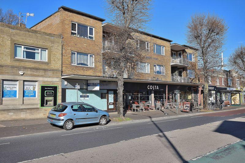 2 Bedrooms Flat for sale in 3 Holdenhurst Avenue, Boscombe East/Iford, Bournemouth