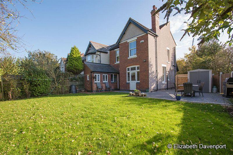3 Bedrooms Detached House for sale in Coniston Road, Earlsdon