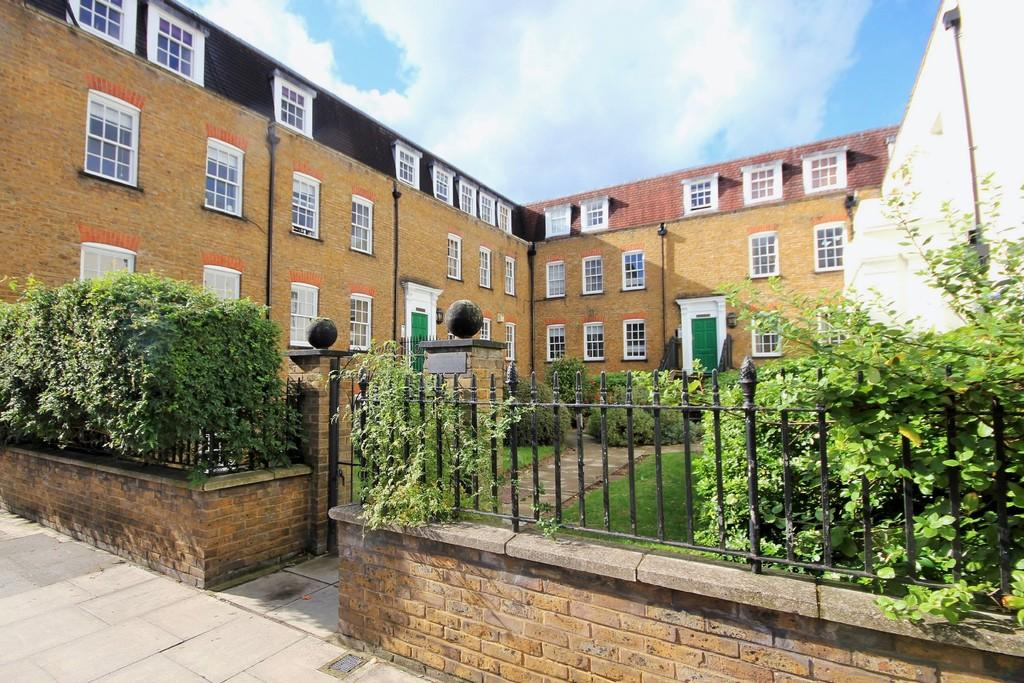 1 Bedroom Apartment Flat for sale in Stapleton Hall Road Finsbury Park N4 3QQ