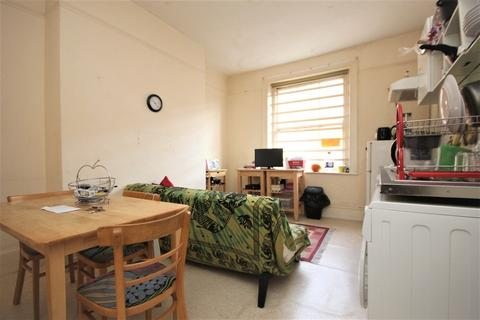 2 bedroom apartment to rent - High Road Wood Green N22 6BX