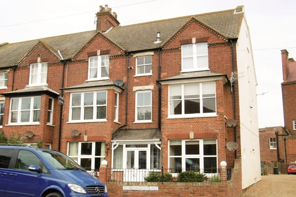 1 Bedroom Flat for sale in Sheringham