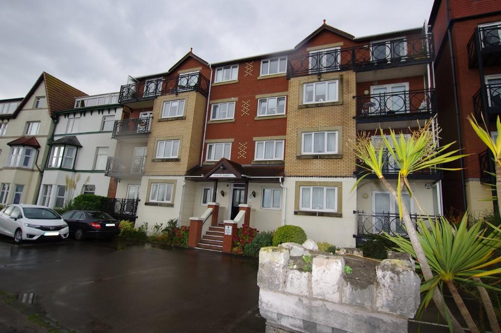 2 Bedrooms Apartment Flat for sale in Rhos Promenade, Rhos On Sea