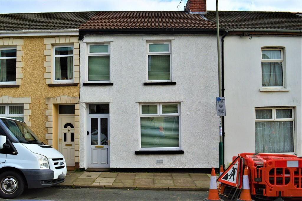 3 Bedrooms Terraced House for sale in Central Street, Ystrad Mynach