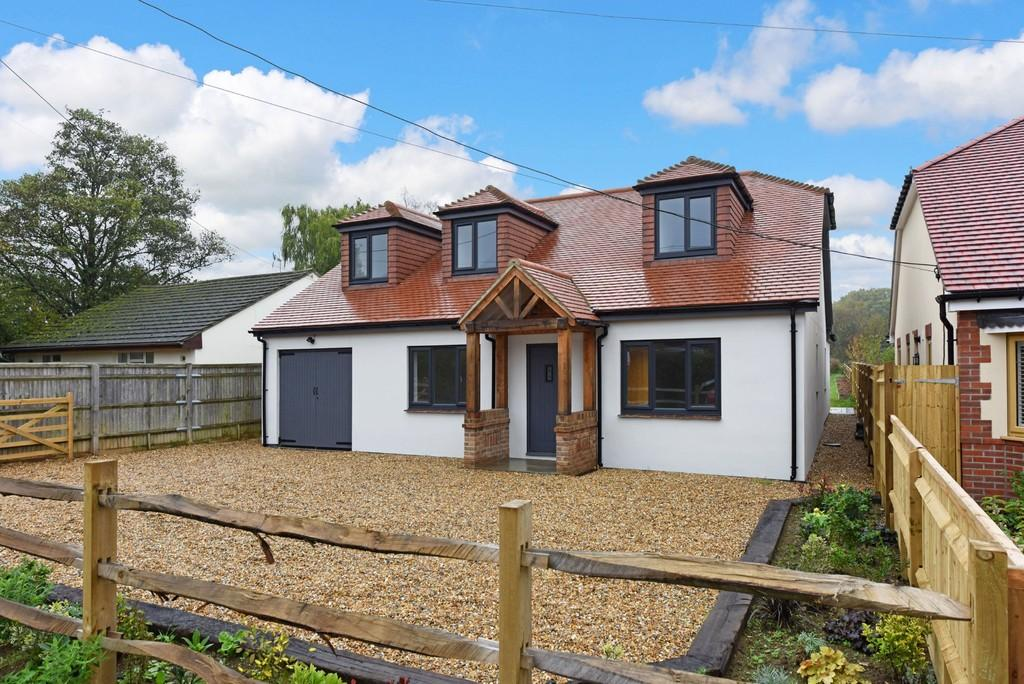 6 Bedrooms Detached House for sale in Church Road, Newtown, Hampshire