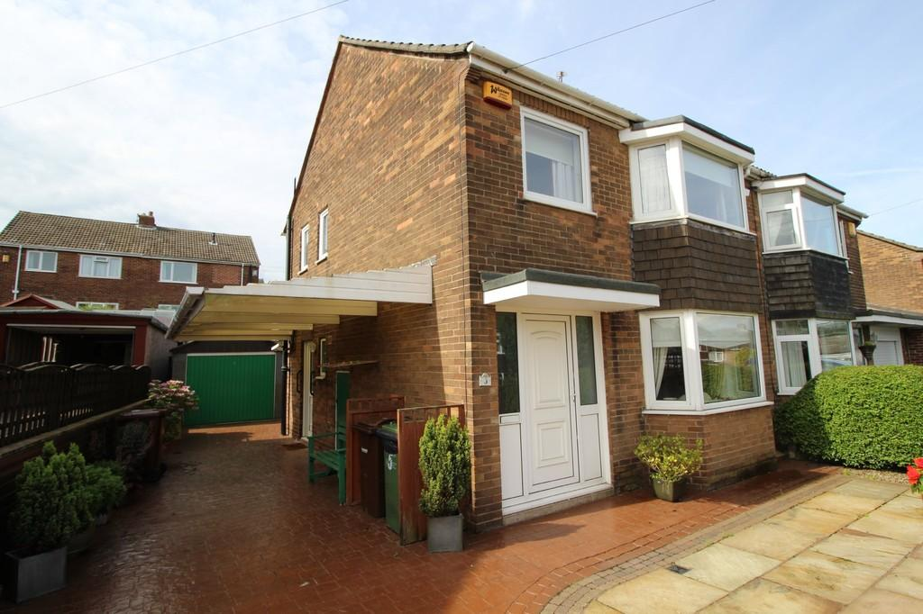 3 Bedrooms Semi Detached House for sale in Shakespear Avenue, Normanton