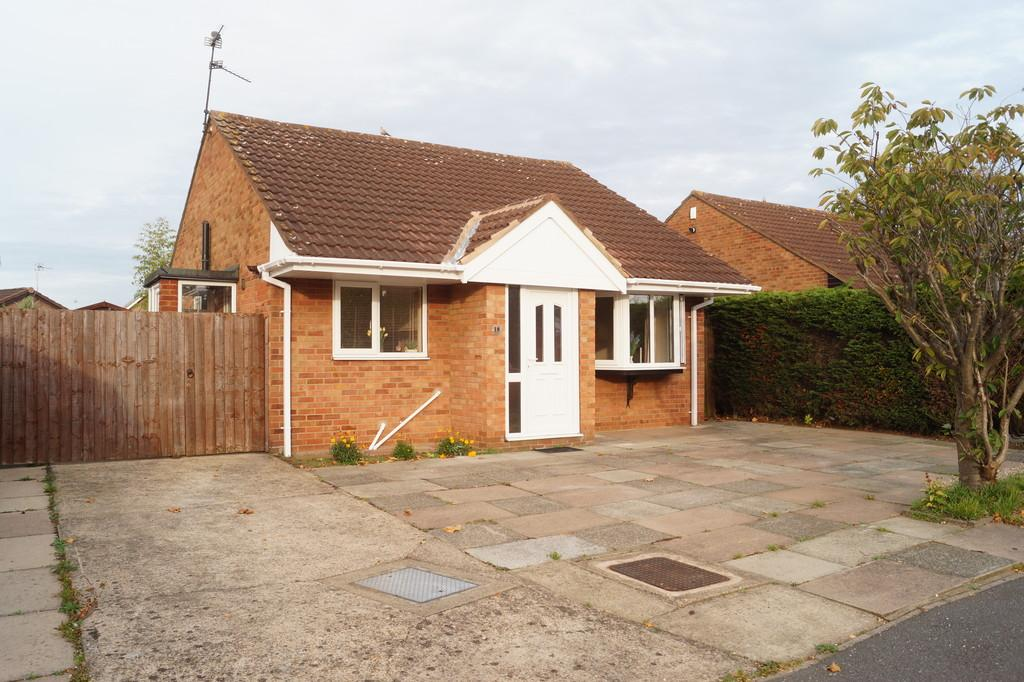 2 Bedrooms Detached Bungalow for sale in Aldergrove Crescent, Lincoln
