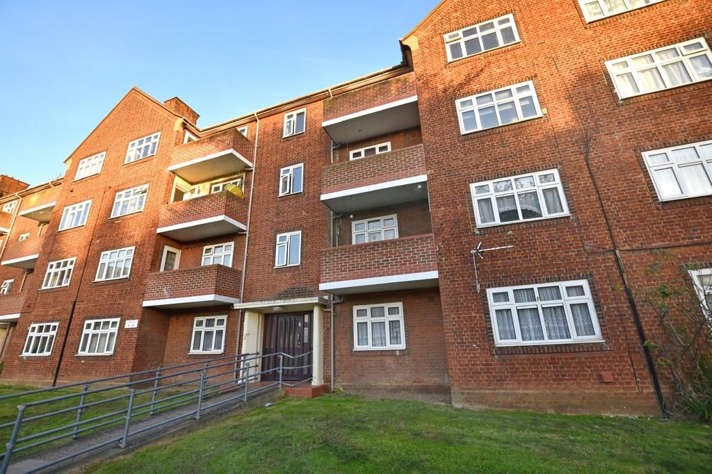 2 Bedrooms Flat for sale in Audley Court, South Woodford