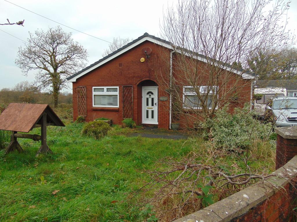 3 Bedrooms Detached Bungalow for sale in Rehoboth Road, Five Roads, Llanelli