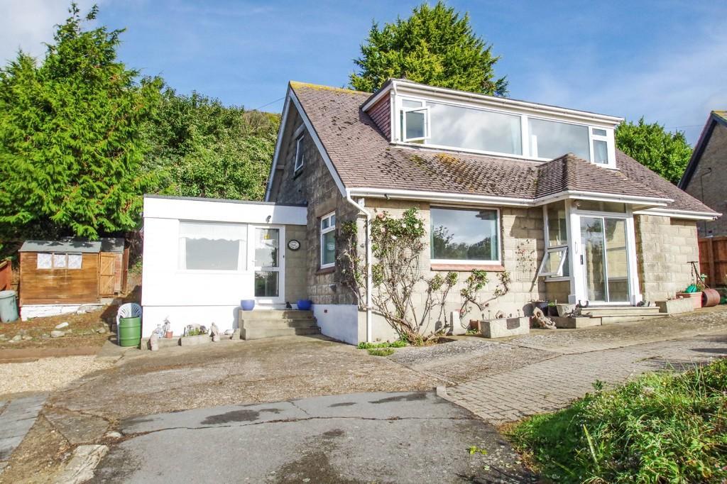 3 Bedrooms Detached Bungalow for sale in Pelham Road, Ventnor