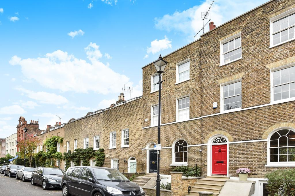 3 Bedrooms Terraced House for sale in Cleaver Square, SE11