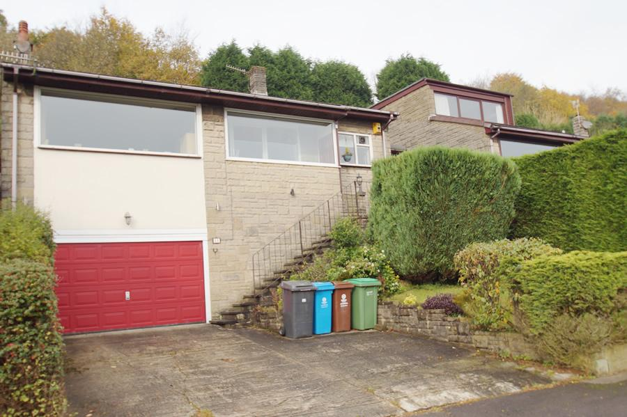 3 Bedrooms Detached House for sale in Devon Drive, Diggle OL3