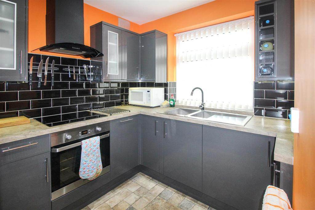 2 Bedrooms Apartment Flat for sale in Leam Terrace, Leamington Spa
