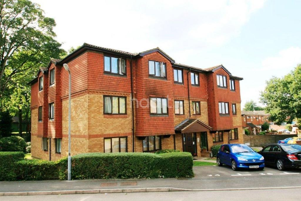 2 Bedrooms Flat for sale in Tylersfield, Abbots Langley