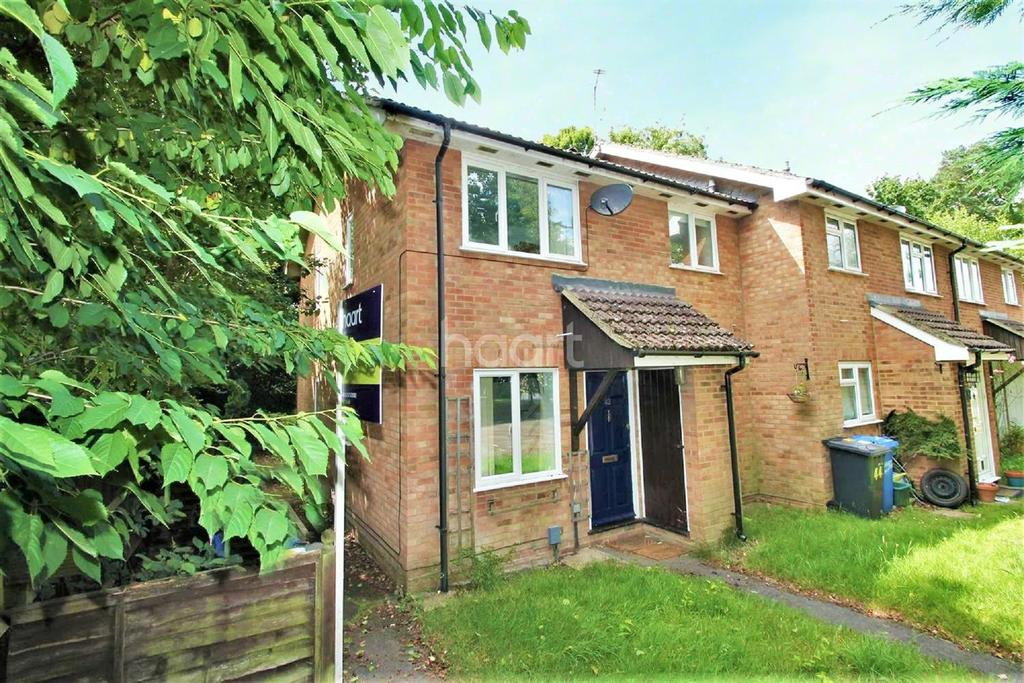 1 Bedroom End Of Terrace House for sale in The Cedars, Fleet