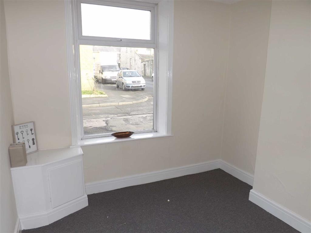 3 Bedrooms Terraced House for rent in Waterloo Street, Clayton-Le-Moors