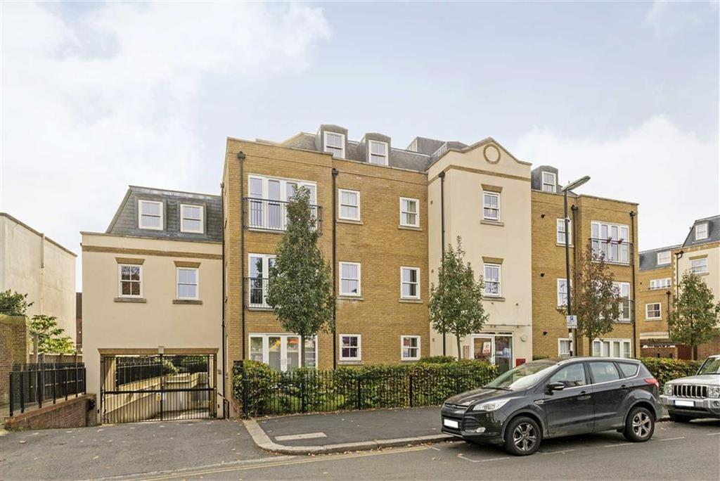2 Bedrooms Flat for sale in The Old Court House, Epsom, Surrey