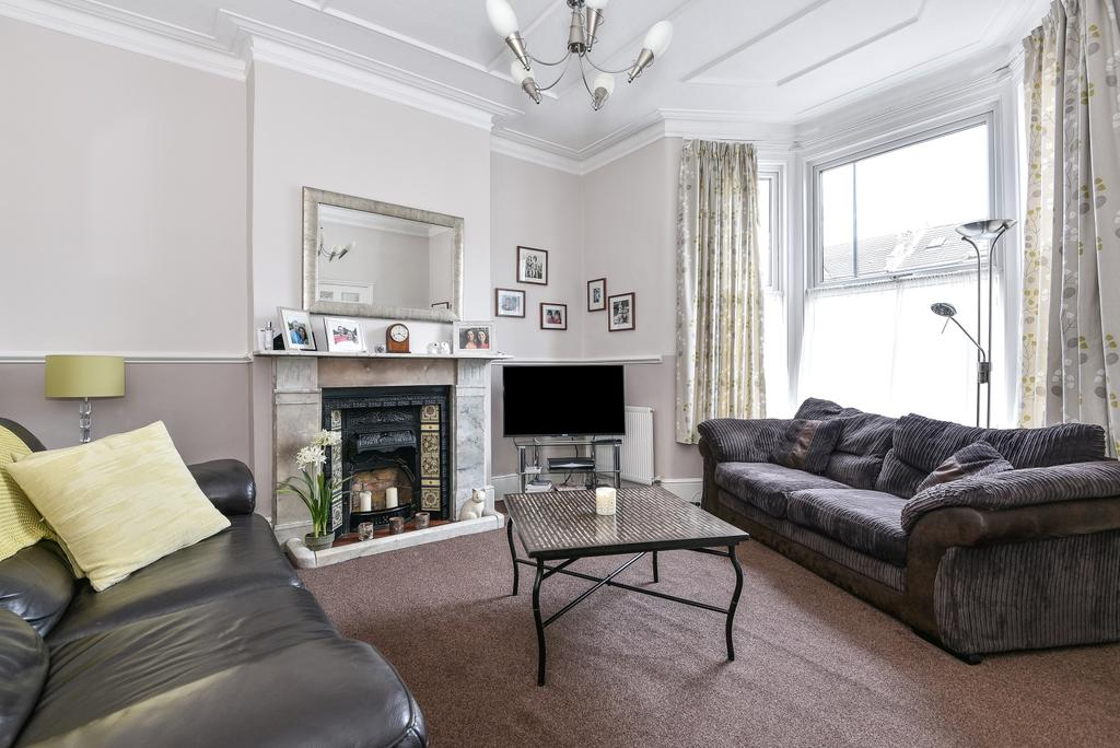 4 Bedrooms Terraced House for sale in Minard Road Catford SE6